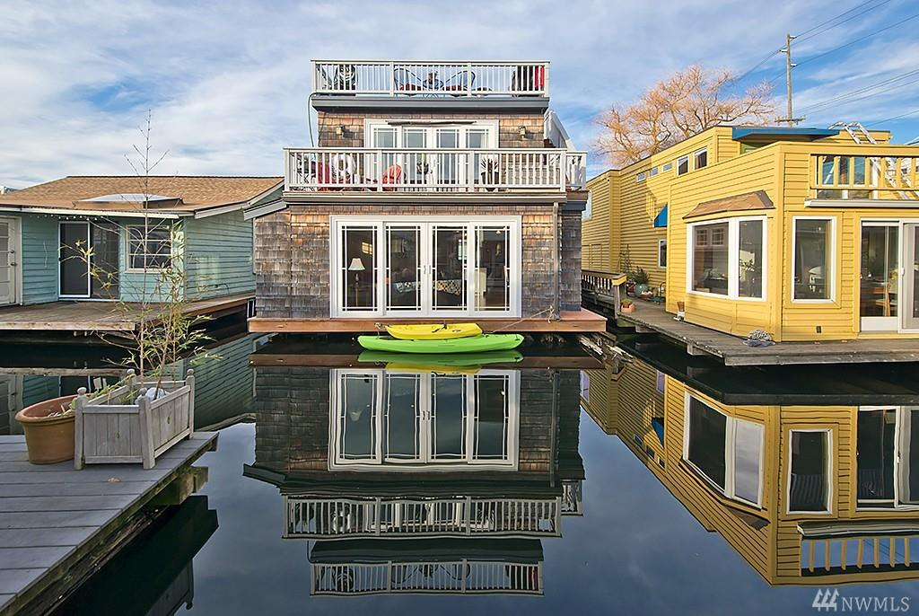 seattle houseboats market pending in escrow seattle houseboats. Black Bedroom Furniture Sets. Home Design Ideas